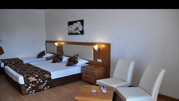 Pokój w hotelu Cenger Beach Resort