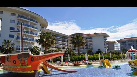 Baseny w hotelu Sea World Resort