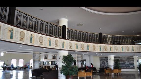 Lobby w hotelu Lyra Resort
