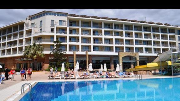 Basen hotelu Aska Washington Resort