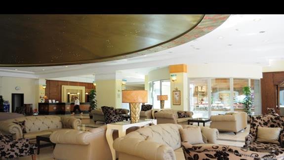 Lobby w hotelu Kilikya Palace
