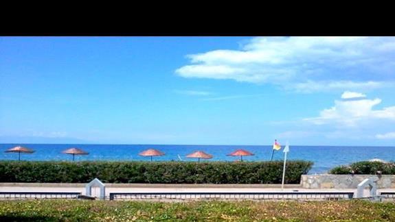 Widok na morze z tereny hotelu Kustur Club
