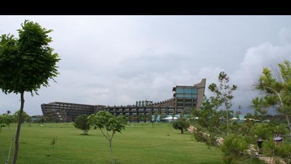 Widok na hotel od morza
