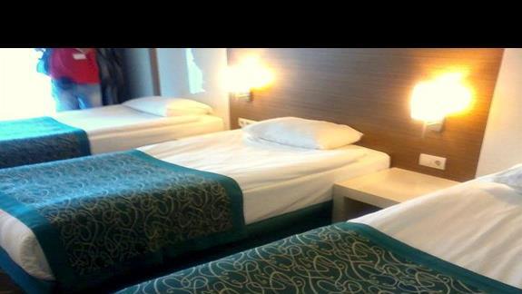 Pokój rodzinny - jedno z dwóch pomieszczeń ( w sumie na 5 osób) Venosa Beach Resort