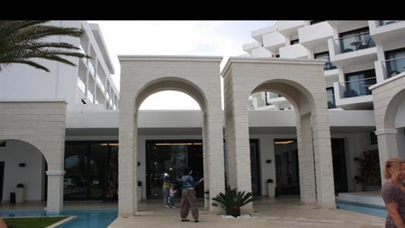 Wejscie główne hotelu Mitsis Faliraki Beach