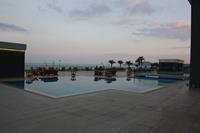 Hotel Mitsis Alila Resort & Spa - basen na tarasie Mitsis Alilia