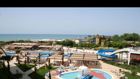 Widok na teren rekreacyjny hotelu