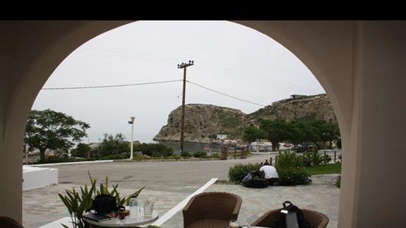 widok na zatoko z restauracji Porto Angeli