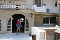 Hotel Ilyssion - wejscie główne hotelu Ilyssion