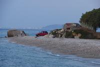 Ialysos - Deptak z ruinami umocnień wybrzeża z II wojny światowej