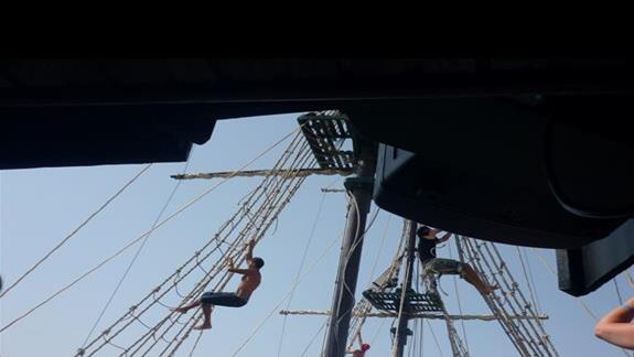 pokazy piratów podczas rejsu