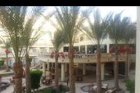 Hotel Hawaii Riviera Aqua Park - Widok na taras oraz na restauracje.
