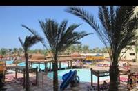 Hotel Hawaii Riviera Aqua Park - Widok z okna na niektóre basaeny.