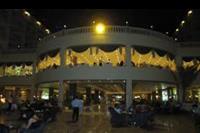 Hotel Hawaii Riviera Aqua Park - taras i restauracja noca
