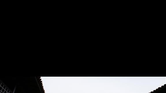 wieża przy wejściu