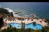 Hotel Utopia World - widok z okna hotelu Utopia World na basen i zatoke