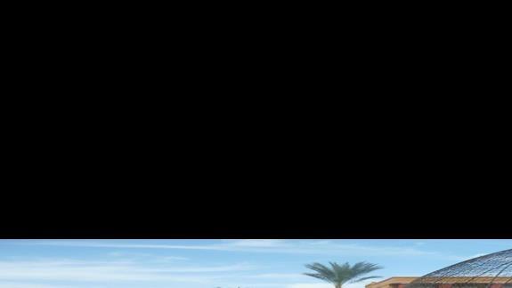 Wejscie do basenu z pokoju