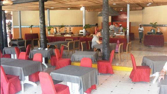 Restauracja główna hotelu Kombo Beach