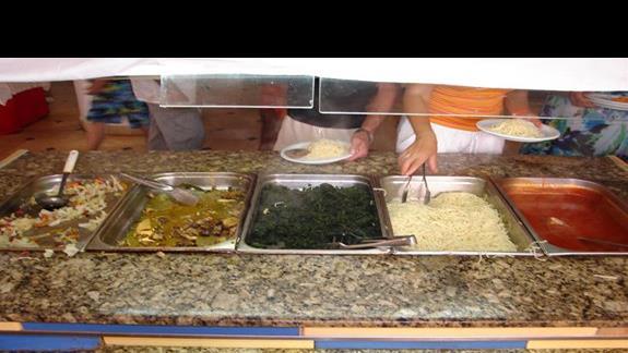 obiad - mieso i znowu mialem pecha - zbraklo