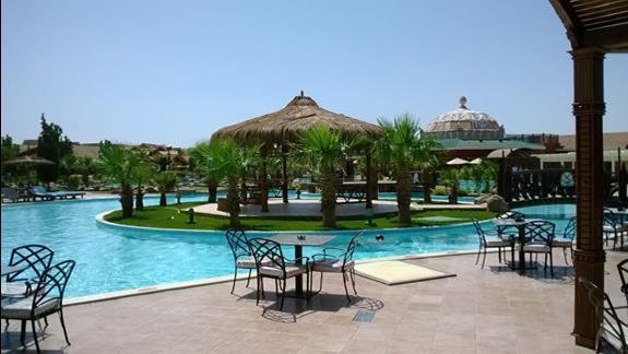 Jeden z basenów w hotelu Jungle Aqua Park