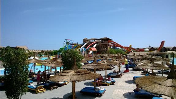 Zjezdzalnie w hotelu Jungle Aqua Park