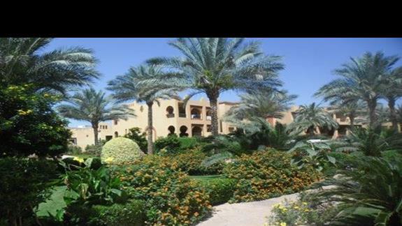 Bajkowy ogród w hotelu Rehana Royal Beach