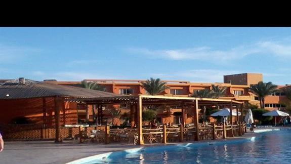 Bar orzy basenie w hotelu Amwaj