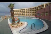 Hotel Paradise Bay Resort - widok na basen zewnetrzny