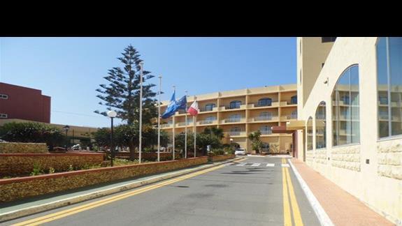 widok sprzed hotelu