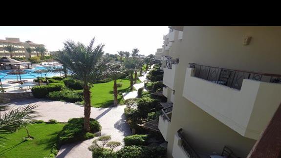 Widok z balkonu hotelu Amwaj Blue Beach Abu Soma Resort & SPA