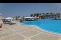 Hotel Hilton Marsa Alam Nubian Resort - Basen i bar w hotelu Hilton Marsa Alam Nubian Resort