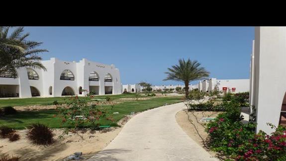 Budynki hotelu Hilton Marsa Alam Nubian Resort