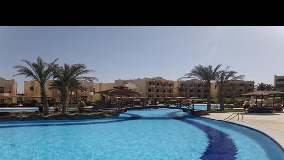 Basen w hotelu Coral Hills