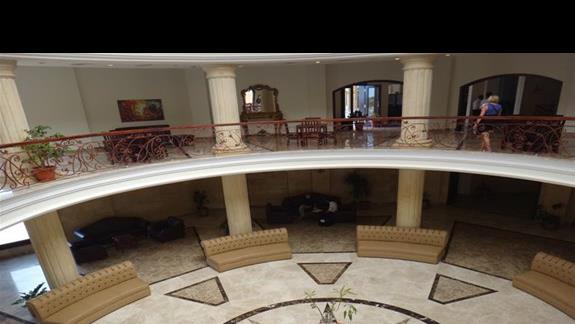 Lobby w hotelu Royal Brayka Resort