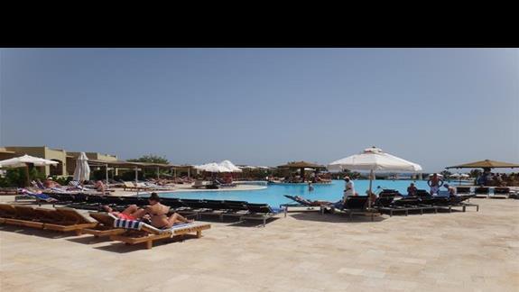 Basen w hotelu Three Corners Fayrouz Plaza Beach Resort