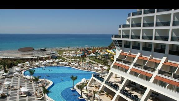 Sea Planet Resort. Widok z okna pokoju rodzinnego.