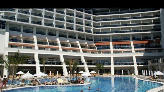 Sea Planet Resort. Glówny basen.
