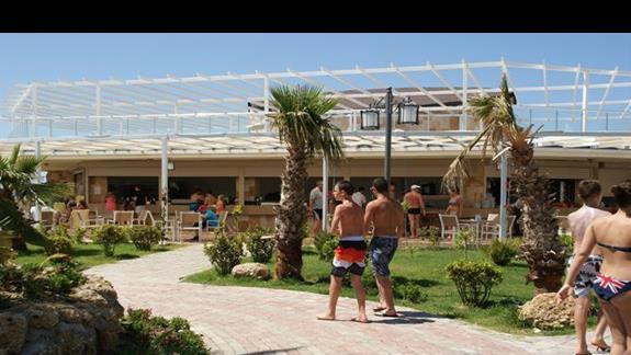 Sea Planet Resort. Bar przy plazy.