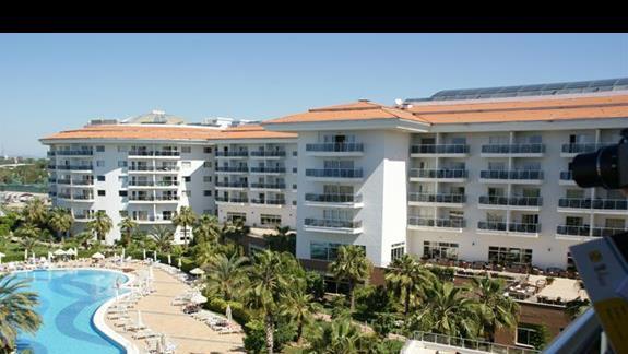 Sea World Resort. Teren hotelu.