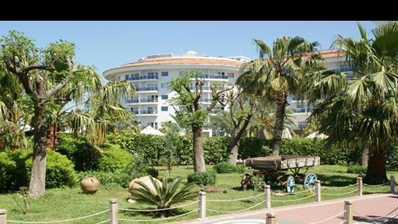 Sea World Resort. Wszedzie duzo zieleni.