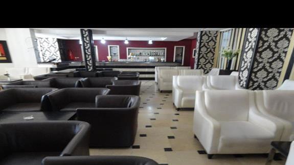 Golf Residence - lobby bar