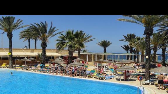 Houda Golf & Beach Club - animacje przy basenie