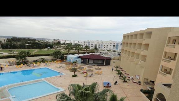 Houda Yasmine - basen