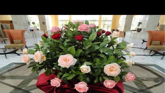 Riu Imperial Marhaba - pachnące kwiaty w lobby