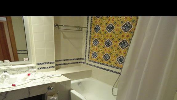 Riu Imperial Marhaba - łazienka w pokoju