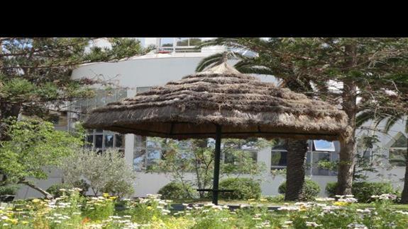 Tour Khalef - ogród