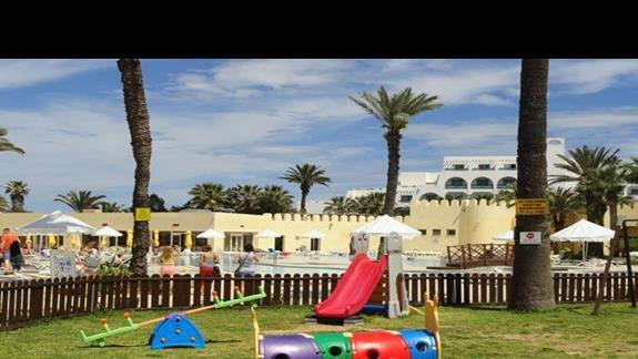 Tour Khalef - plac zabaw dla dzieci