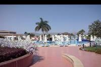 Hotel Xperience Kiroseiz Parkland - basen glówny
