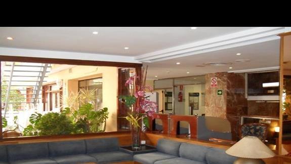Lobby hotelu Bahia de Palma