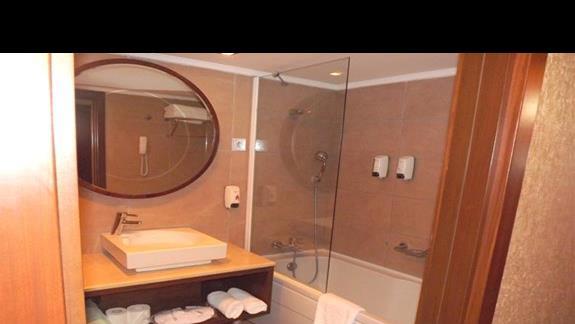Lazienka w pokoju dwuosobowym w hotelu Mirada del Mar